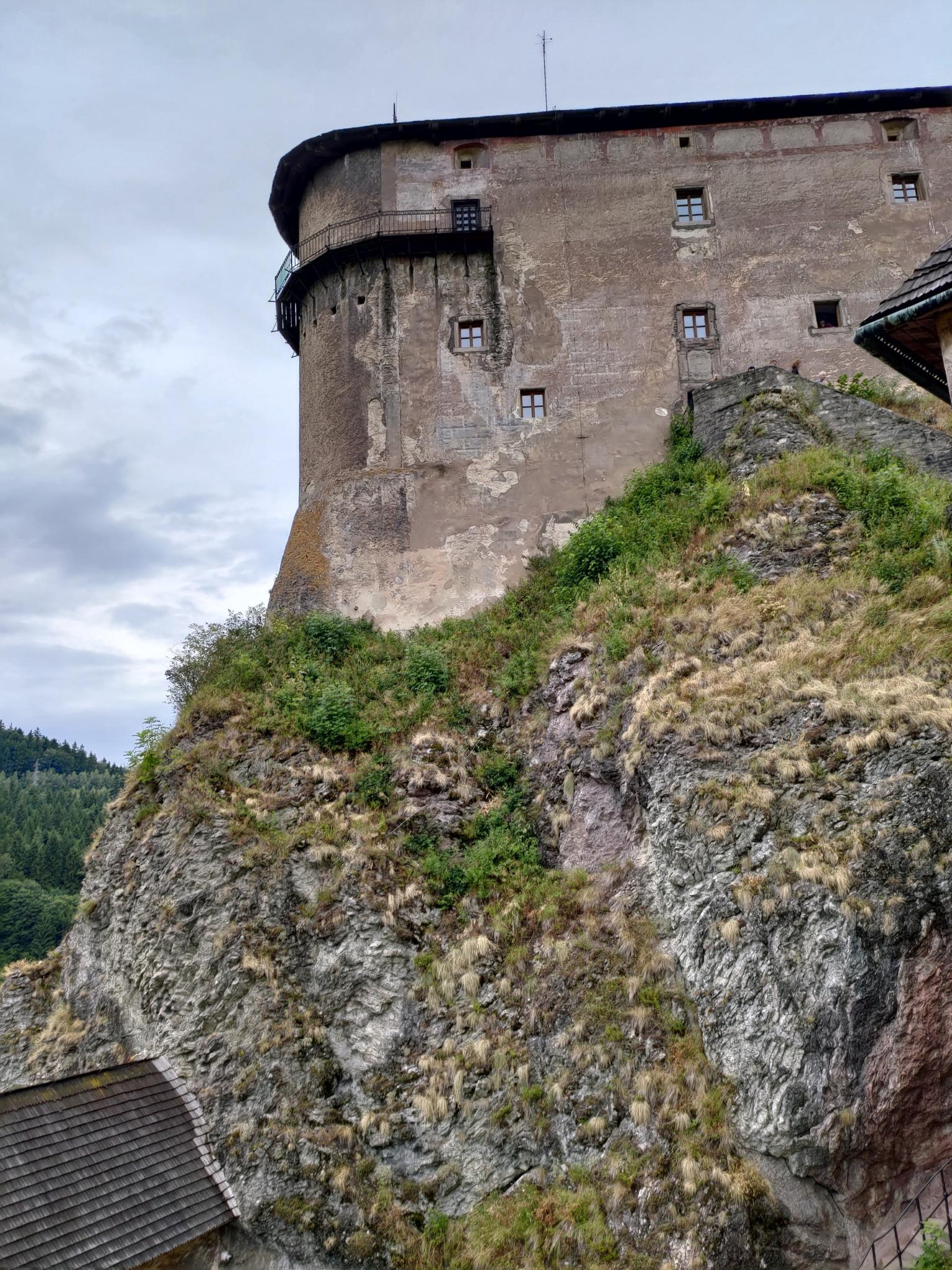 orava_castle_asus_zenfone_6_11