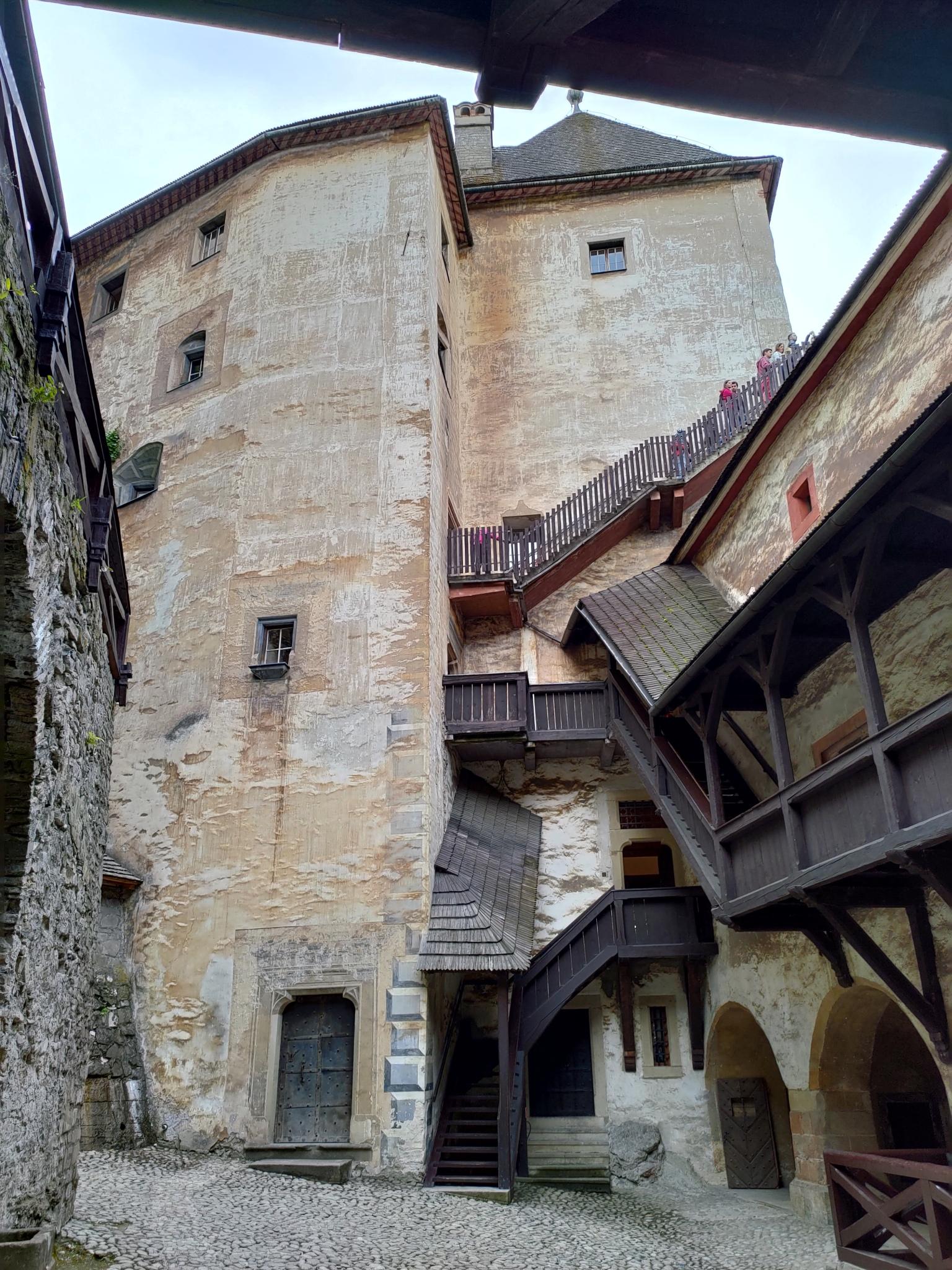 orava_castle_asus_zenfone_6_5