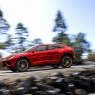 lamborghini-urus-left-side-view-2