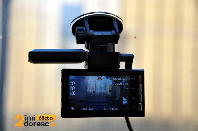 GoClever DVR Titanium GPS pe bord