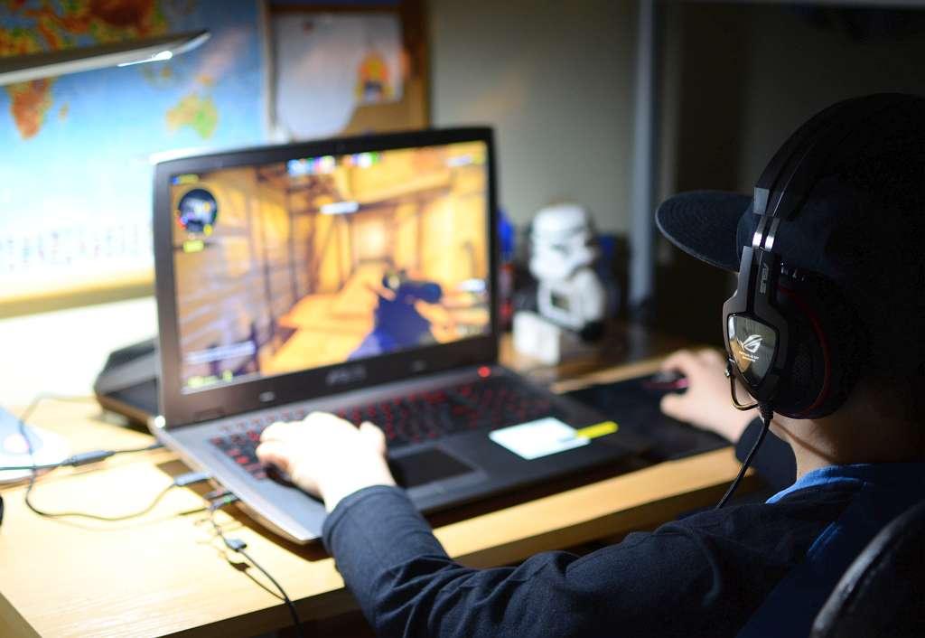 Gaming on ASUS ROG GX700