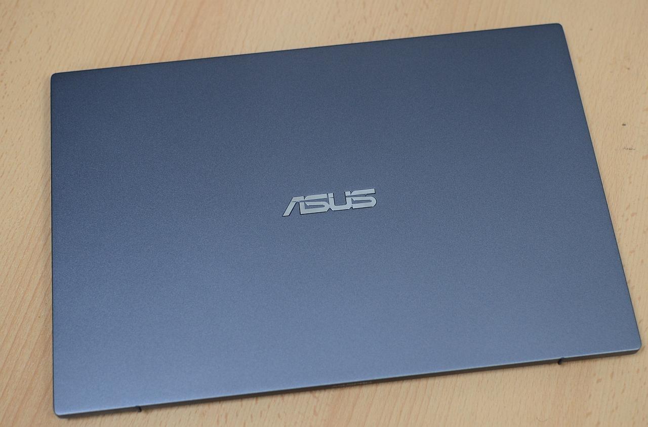 ASUS Pro B9440
