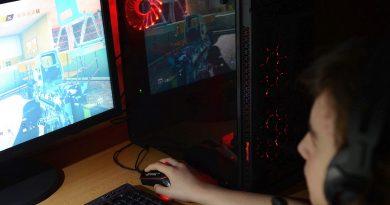 Sistem Pc Garage Raptor5 Review – Carcasă cu iluminare RGB, configurație de nivel mediu, bună și pentru jocuri